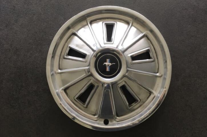 1966 mustang hubcap